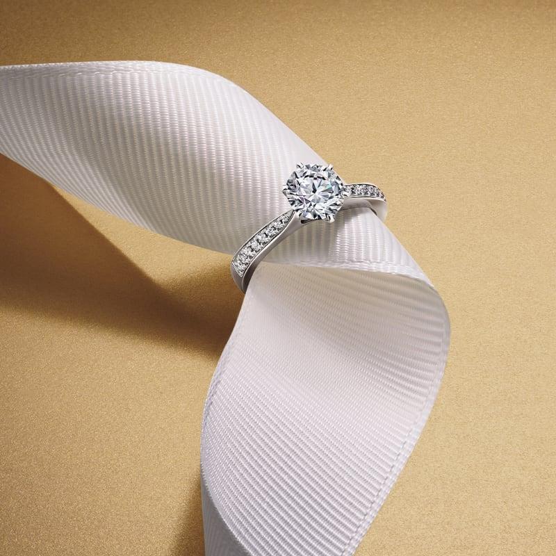 Стильный платок в подарок